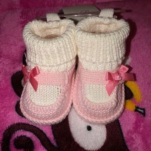 Carters pink baby sock/shoes